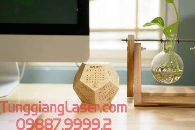 Chọn đơn vị uy tín để khắc laser lên lịch gỗ