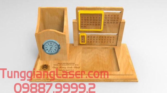 Lịch gỗ khắc bằng tia laser giá rẻ tại hà nội