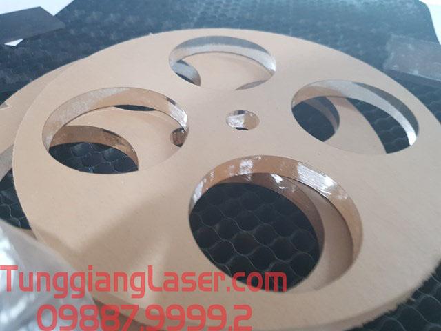 cắt mica tại tùng giang laser