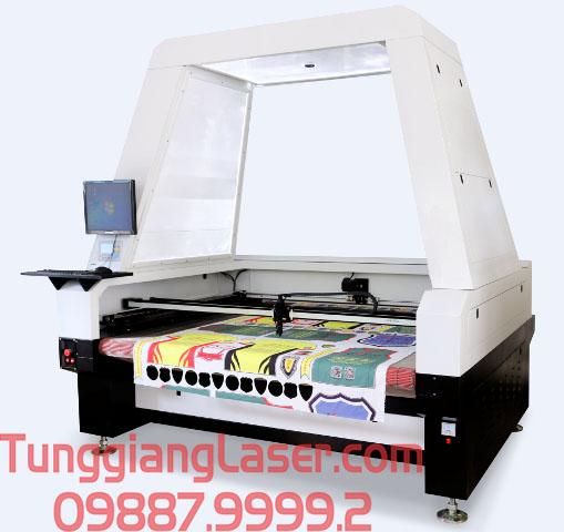 Công nghệ cắt khắc laser trên vải da tại Tùng Giang