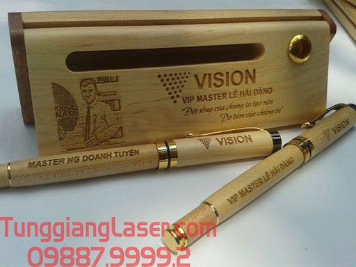 Khắc bút gỗ laser đẹp tại hà nội