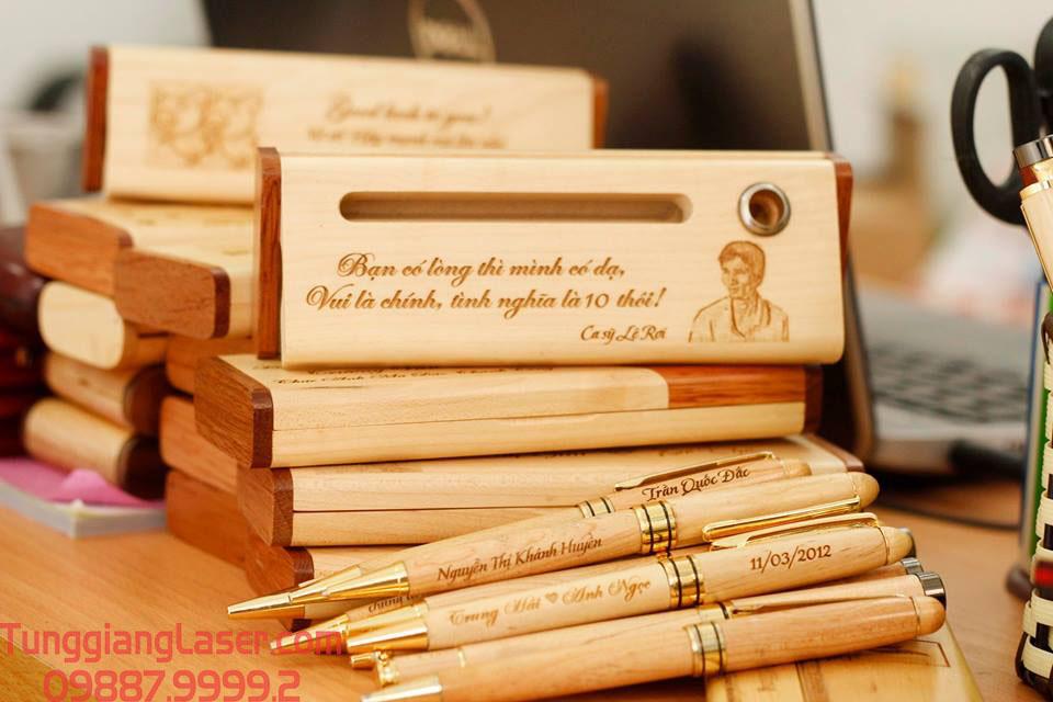 Khắc laser hộp bút gỗ theo yêu cầu làm quà tặng