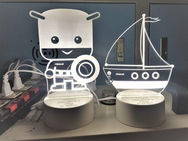 cắt khắc laser làm đèn led mica 3d