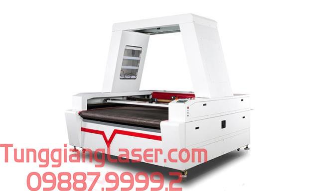 Kỹ thuật cắt khắc laser trên máy hiện đại tại Tùng Giang Laser