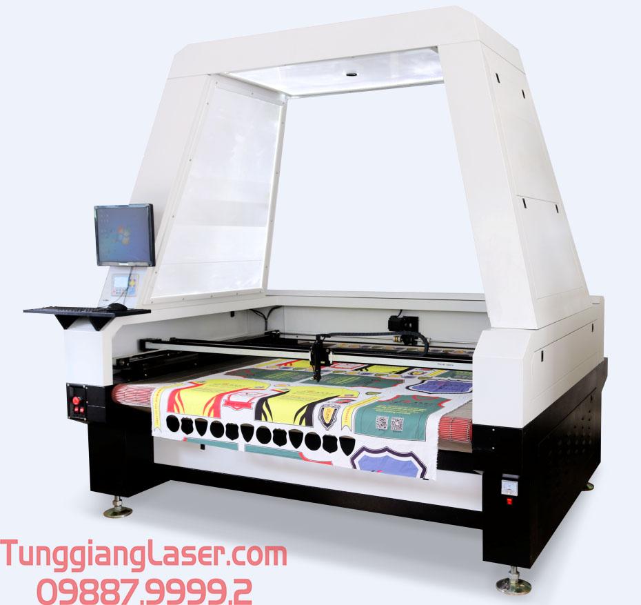 máy cắt laser lên vải